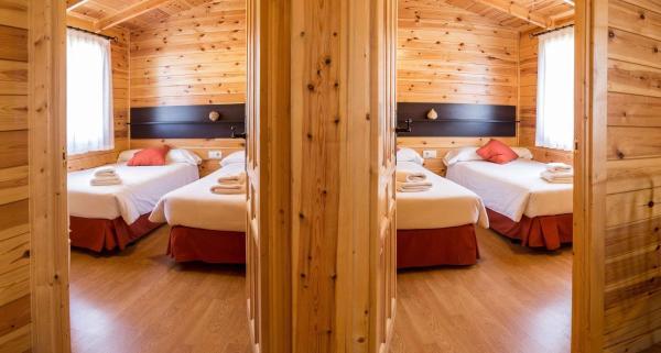 Hotel Pictures: Cabañas de Javalambre, Camarena de la Sierra