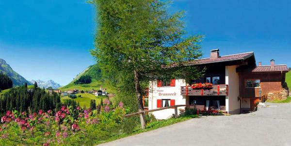 Foto Hotel: Haus Brunneck, Warth am Arlberg