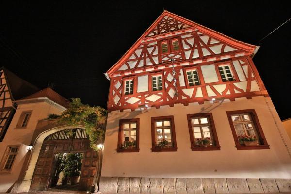Hotelbilleder: Weinhaus Henninger, Kallstadt