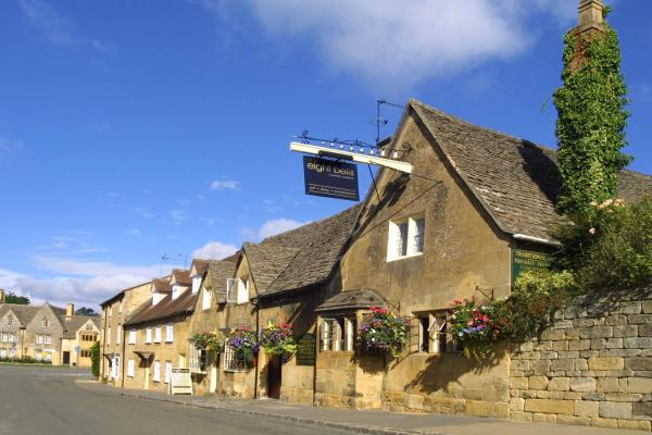 Hotel Pictures: Eight Bells Inn, Chipping Campden