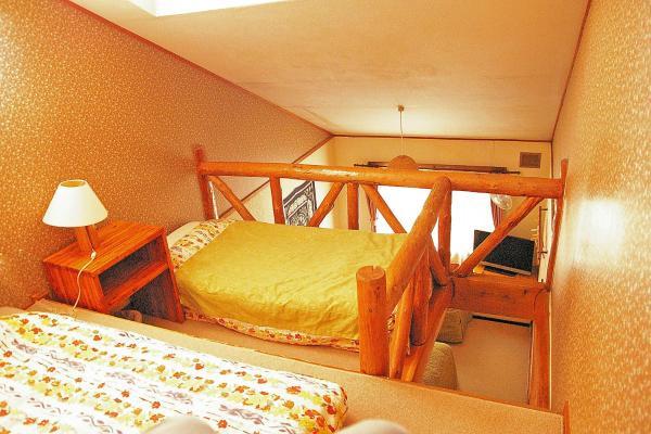 Maisonette with Shared Bathroom - Country Inn Milky House (Niseko 482-1)