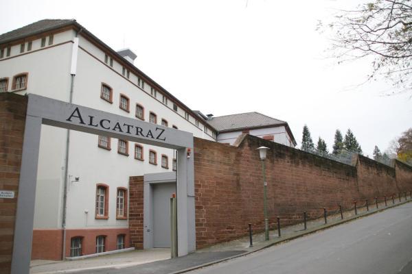 Hotel Pictures: ALCATRAZ Hotel am Japanischen Garten, Kaiserslautern