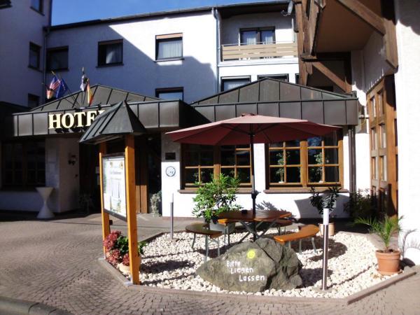 Hotel Pictures: Hotel-Restaurant Zum Schwalbennest, Alsfeld