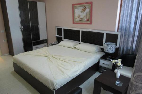 Hotellikuvia: Hotel 7777, Tirana