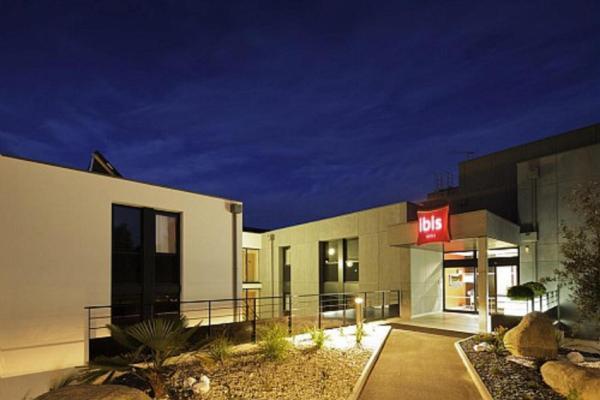 Hotel Pictures: ibis Guingamp, Ploumagoar