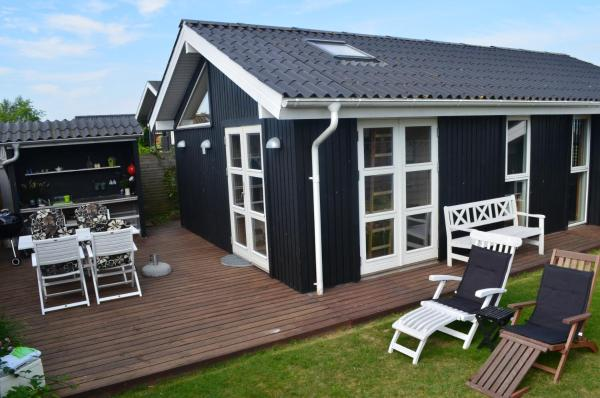 Hotel Pictures: Mågevej Holiday House, Mesinge