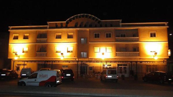 Hotel Pictures: Hostal Los Hermanos, Baza