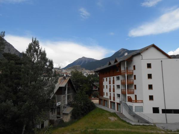Hotel Pictures: Le Signal du Prorel, Briançon