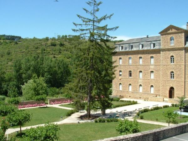 Hotel Pictures: Hôtellerie 2** du Couvent de Malet, Saint-Côme-d'Olt