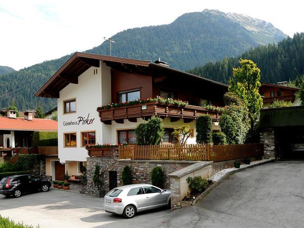 Foto Hotel: Gästehaus Pirker, Finkenberg
