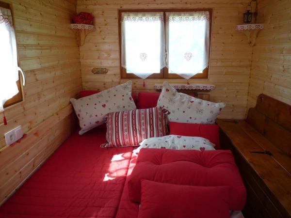 Wooden Caravan (2 Adults)