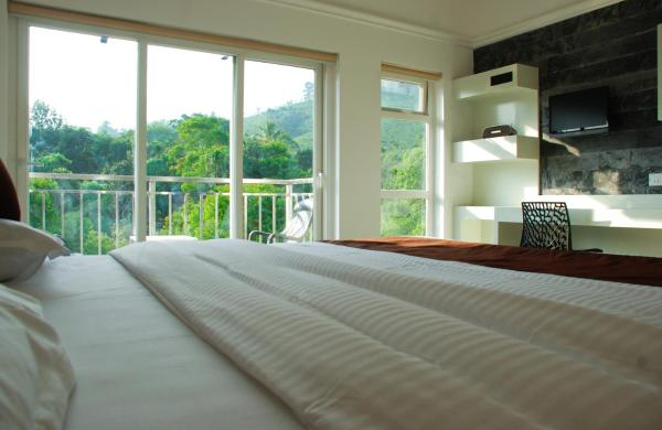 Super Deluxe Double Room with tea Plantation view