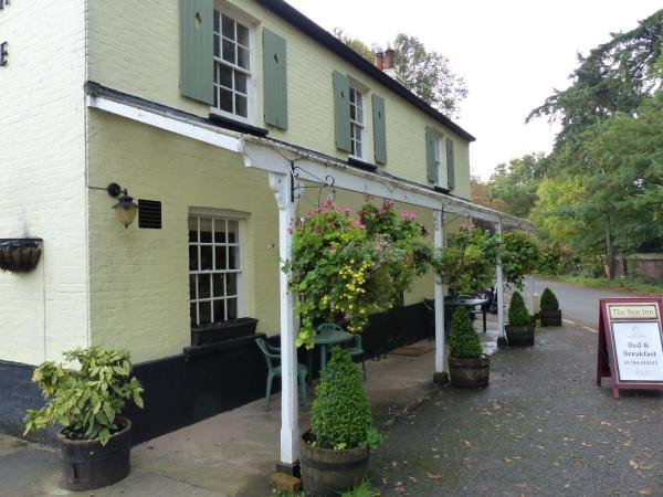 Hotel Pictures: The Sun Inn, Englefield Green