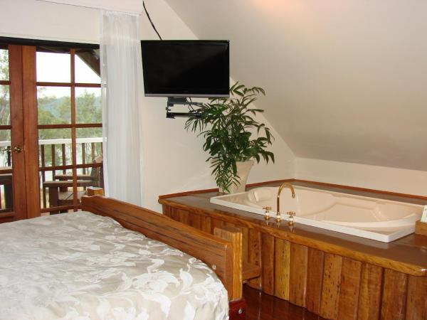 Queen Room with River View
