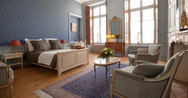 Hotel Pictures: Hotel Coté Cour Chambres d'hotes, Bourg-Saint-Andéol
