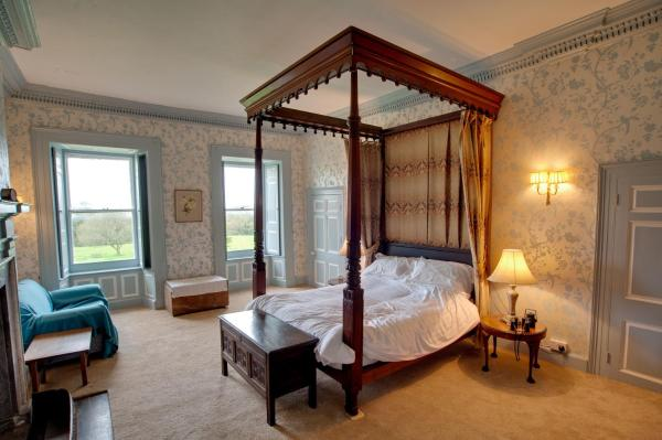 King Room with Four Poster Bed