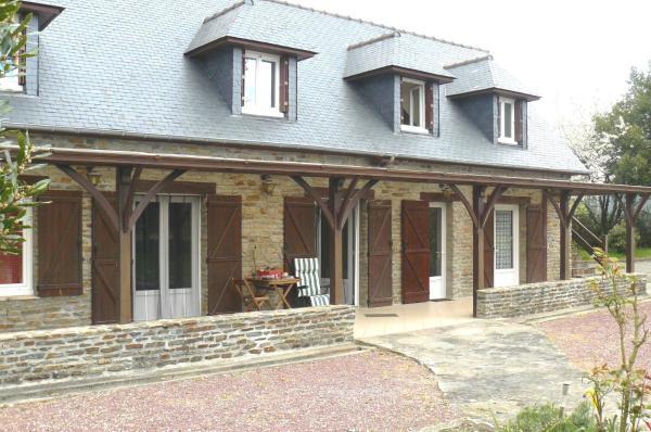 Hotel Pictures: Chambre D'hôtes Les Tesnières - Baie du Mont St Michel, Crollon