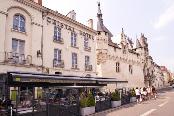 Hotel Pictures: Cristal Hôtel Restaurant, Saumur
