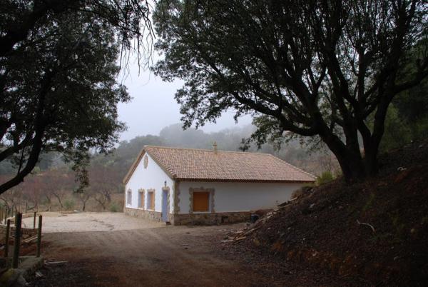 Hotel Pictures: Casa Rural Las Encinas, Marchena