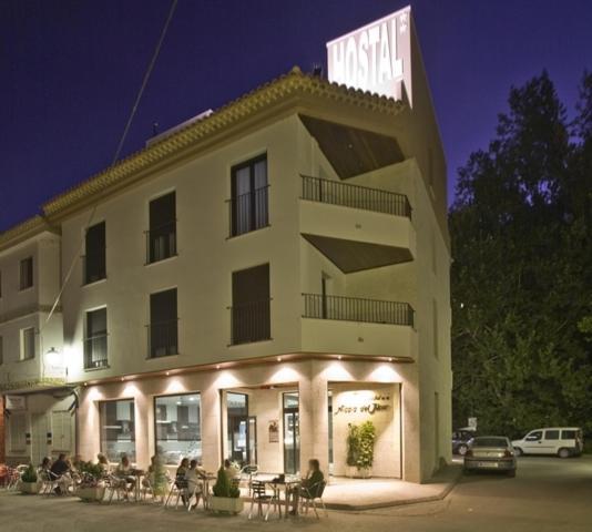 Hotel Pictures: Hostal Alcalá Del Jucar, Alcalá del Júcar