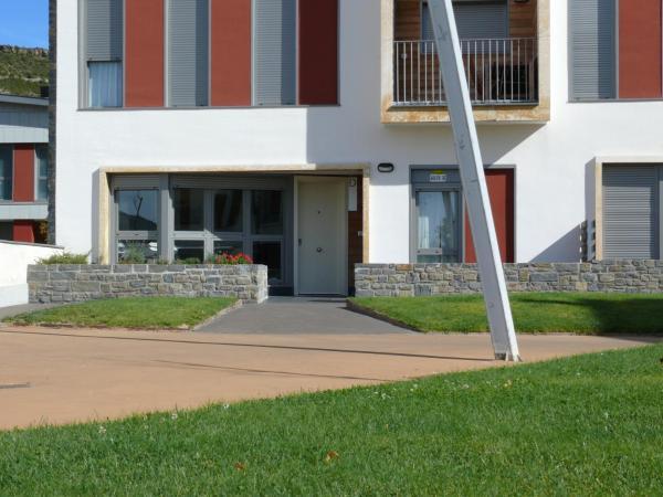 Hotel Pictures: Pirineo Suites Formigal Ordesa, Latas