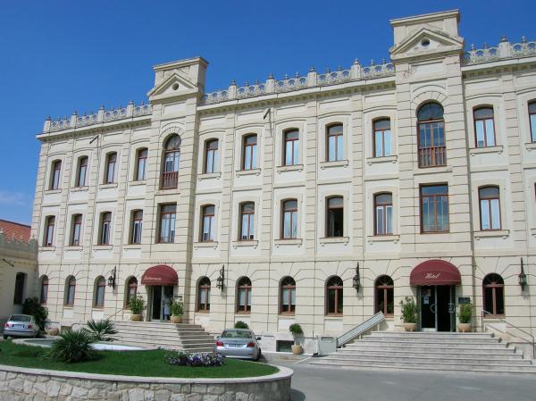 Hotel Pictures: Hotel ATH Ribera del Duero, Peñafiel