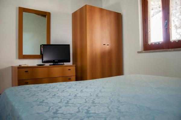 Two Connecting Rooms (2 Adults + 1 Child)