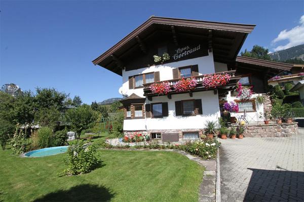 Fotos do Hotel: Haus Gertraud, Fieberbrunn