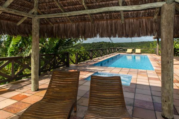 Hotel Pictures: Hilltop Estate, Itanhi