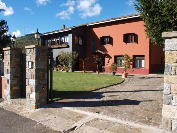 Hotel Pictures: Casa Agusti, Vilaller