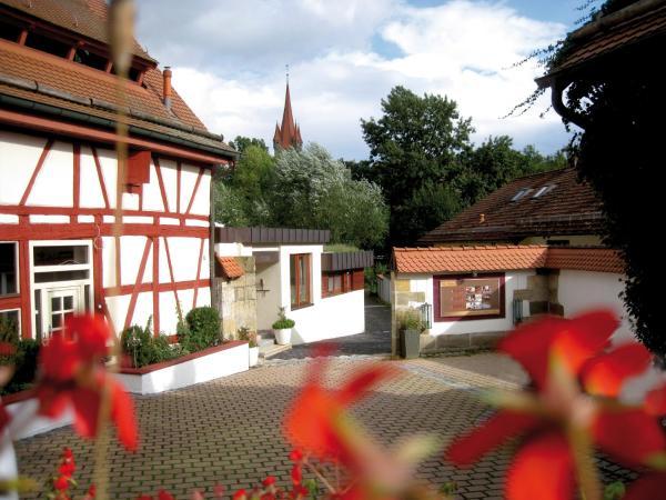 Hotel Pictures: Hotel Hof 19 - Das charmante Ambienthotel, Heroldsberg