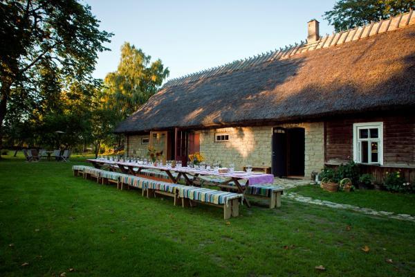 Hotel Pictures: Nautse Mihkli Farm, Liiva