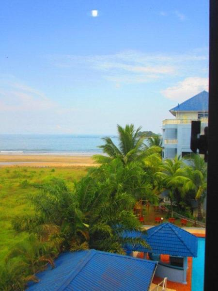 Special Offer - Two-Bedroom Apartment with Sea View and Balcony