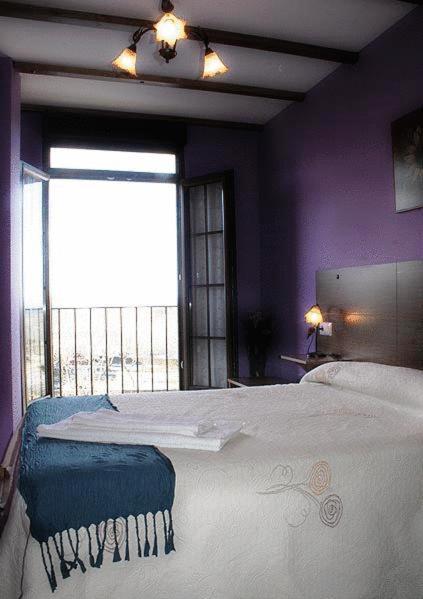 Hotel Pictures: Apartamentos Rurales Sierra de Béjar, Peñacaballera