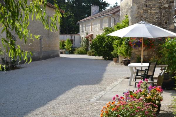 Hotel Pictures: , Chef-Boutonne