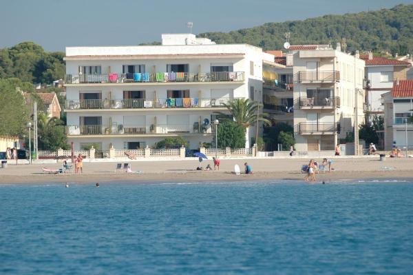 Hotel Pictures: Villa Service - Apartamentos Aransol, El Vendrell
