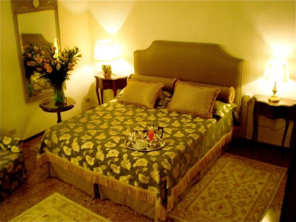 Double or Twin Room with Canal View and Shared Bathroom