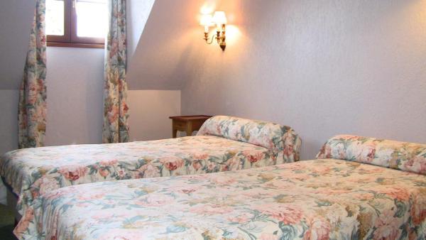 Hotel Pictures: Auberge Des Potiers, Jouy-le-Potier