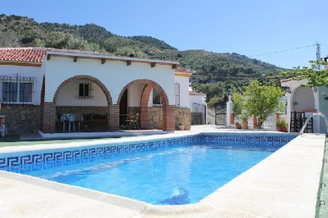 Hotel Pictures: Villa Marín, Canillas De Aceituno
