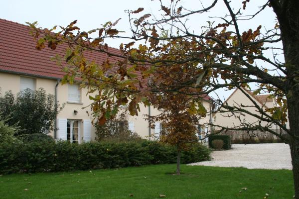 Hotel Pictures: La Croix de la Jarrie, Châtres