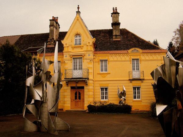 Hotel Pictures: Villa des Capucins, Luxeuil-les-Bains