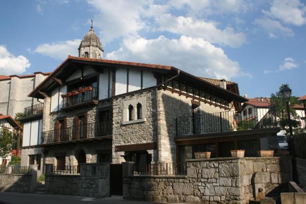 Hotel Pictures: Gure Idorpea, Lesaka