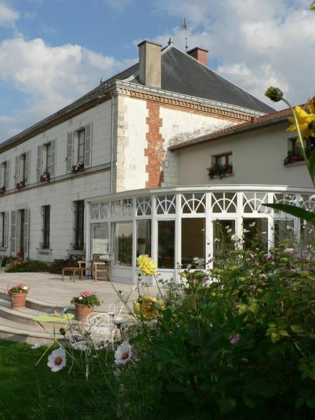 Hotel Pictures: Entre Cour et Jardin, Compertrix