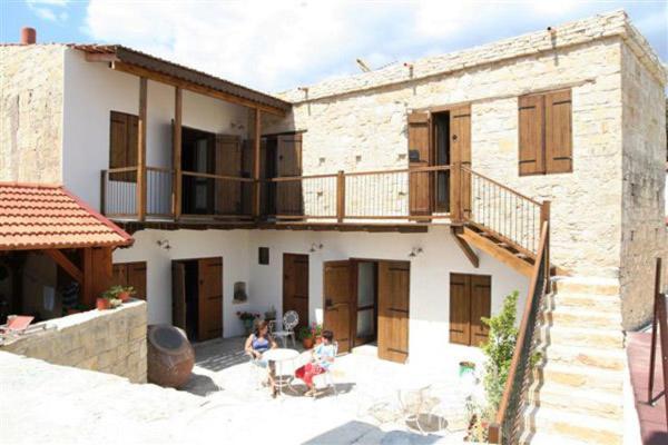 Hotel Pictures: Arkela Agrotouristic Houses, Vasa Kilaniou