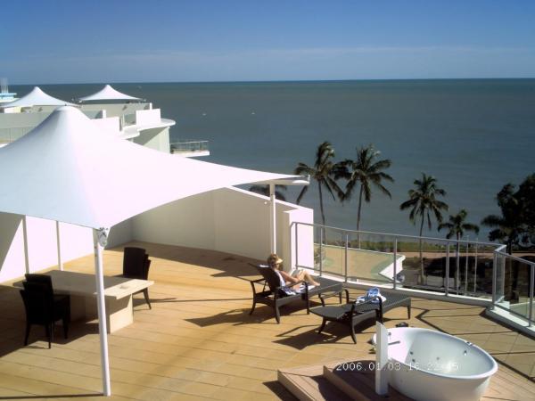 Фотографии отеля: Hervey Bay Oceanfront Penthouse, Херви-Бэй