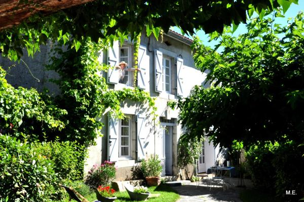 Hotel Pictures: Chambres d'hôtes Maison Cadet, Cazarilh
