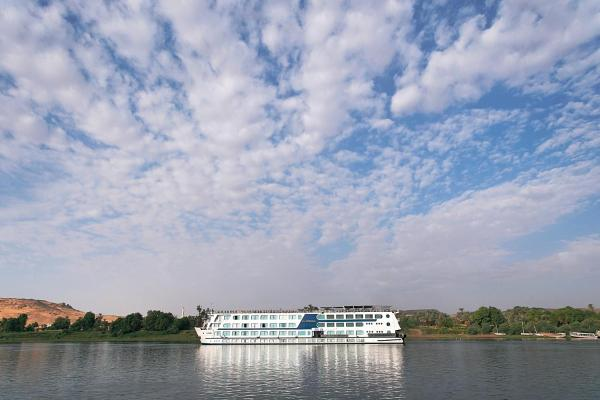 Hotel Pictures: Radamis I Nile Cruise Every Thursday from Luxor & Every Monday from Aswan, Luxor