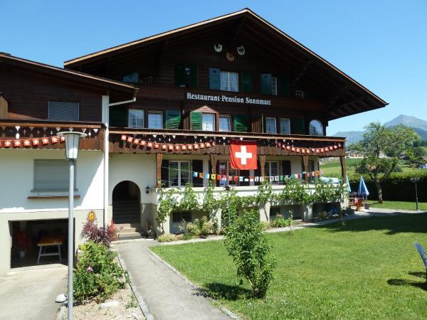 Hotel Pictures: Pension Hotel Restaurant Sunnmatt, Aeschi