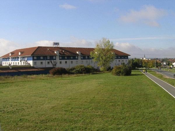 Hotel Pictures: Center Hotel Drive Inn, Hirschaid