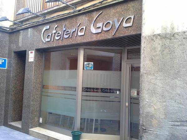 Hotel Pictures: Hostal Cafeteteria Goya, Barbastro